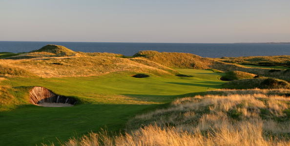 BRITTAS BAY, IRELAND - AUGUST 20: The 499 yard par 5, 3rd hole on the European Club , on August 20, 2005 in Brittas Bay, Co Wicklow, Ireland  (Photo by David Cannon/Getty Images)