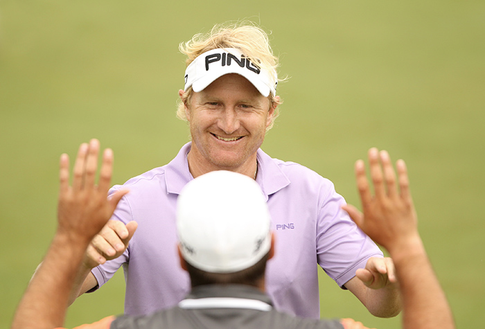 Curlewis shrugs weather, leads PGA Championship