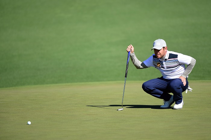 Oosthuizen keeps Spieth in his sights