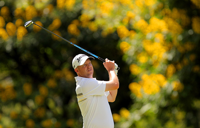 Murless & De Jager lead in Zim