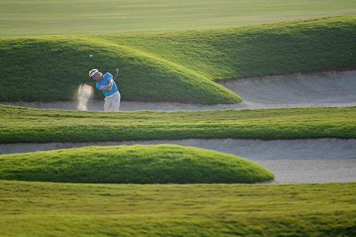 Langer back to business, Daly goes deep