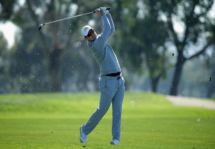 Rose leads, Tiger struggles in San Diego