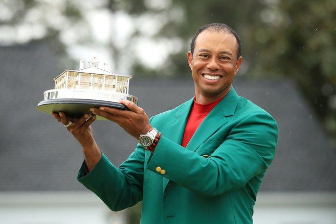 Tiger Woods chasing Jack Nicklaus