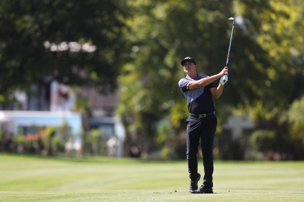 Bezuidenhout takes first-round lead at Fancourt