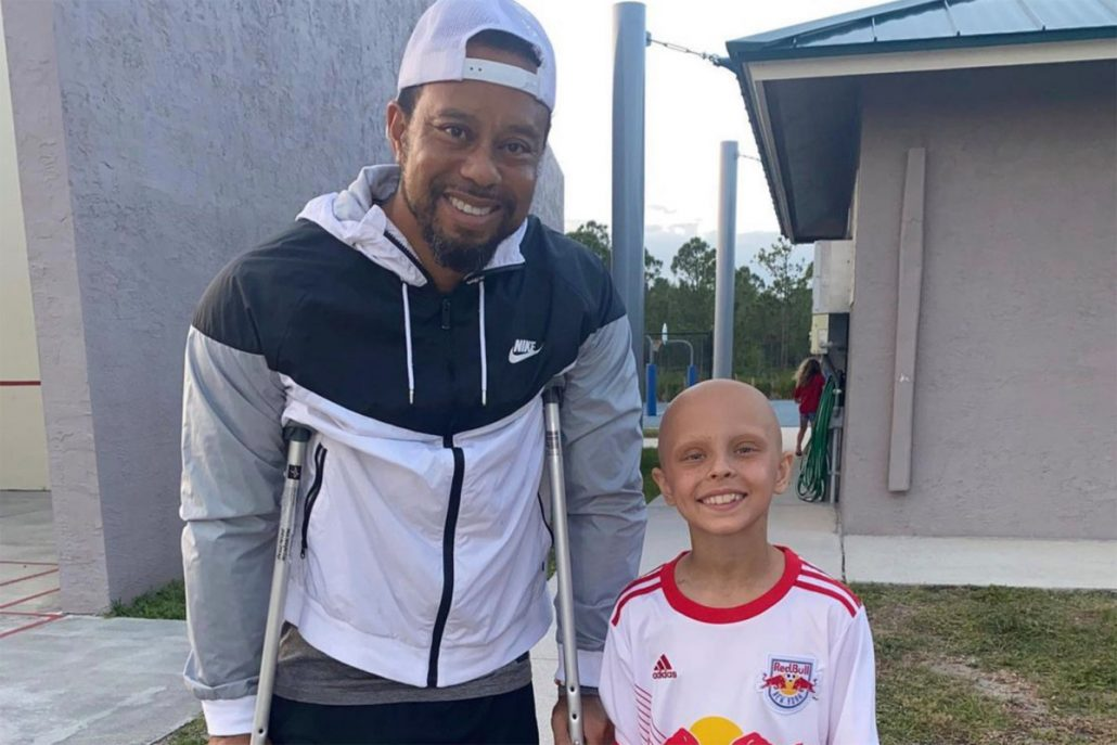 Tiger's 'stay strong' message to young girl