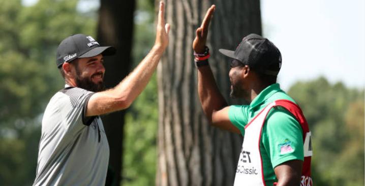 Merritt aces to share PGA lead with Niemann in Detroit