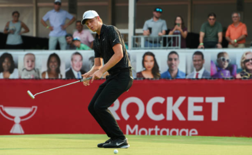 Davis outlasts Merritt in Detroit playoff for first PGA Tour win
